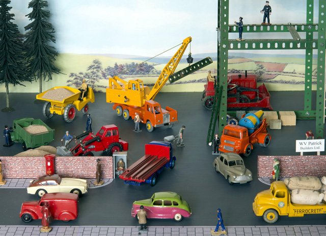 Used Toys Website : Dinky toys dioramas dtca website